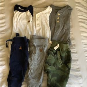 Gap 0-3 month outfits